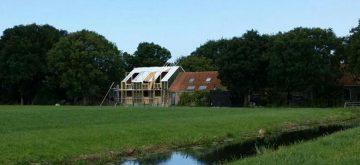 Uitvoering bouw luxe moderne villa met Bed and Breakfast Hindeloopen